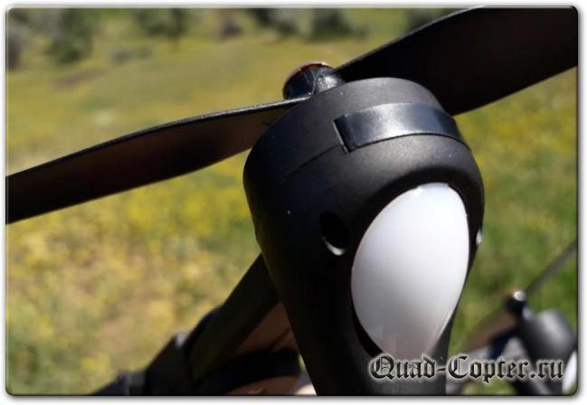 Нормальный квадрокоптер VISUO XS809S с камерой 2.0MP и с тремя батареями